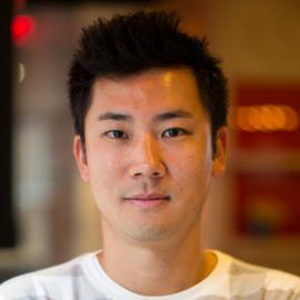 Jak sprzedawać ubezpieczenia turystyczne przez aplikacjęmobilną. Rain Takahashi z JAUNTIN' dołącza jako prelegent Szczytu.