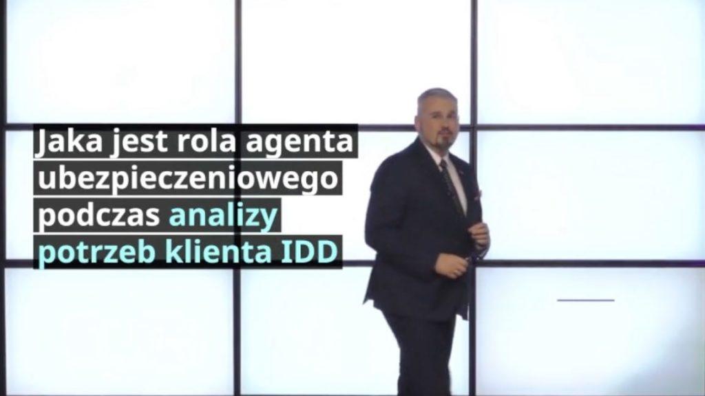 Jaka jest rola agenta ubezpieczeniowego podczas analizy potrzeb klienta IDD